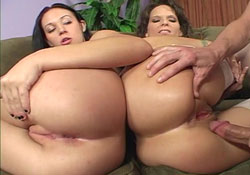 mother-daughter-playing-with-pussy-eric-the-midget-and-kendra-meet