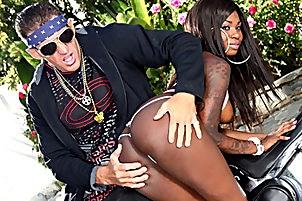 Black Babe Tatiyana Foxx Has Her Face Creamed With White Jizz- with  Lee Stone, Tatiyana Foxx