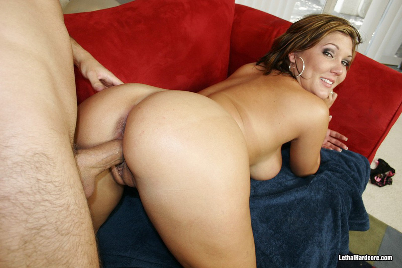 Claire dames oiled asshole gets deeply 4