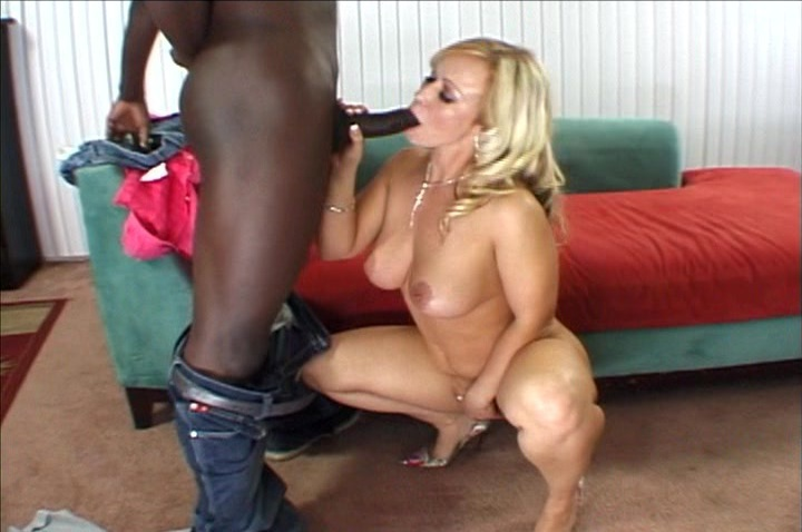 Curvy Blonde Milf Austin Taylor Interracial Cockold Pichun Xvideos 1