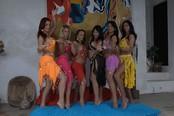 Travone Scopata in una gangbang | Sei Pancia Bellissima Dancing Travoni VS. Uno Lucky Ragazzo! | Fotografia gratis Anteprima!