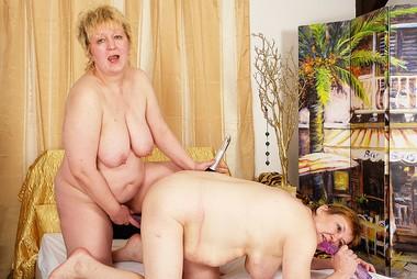 Amalie and agata join the granny lesbian club 7