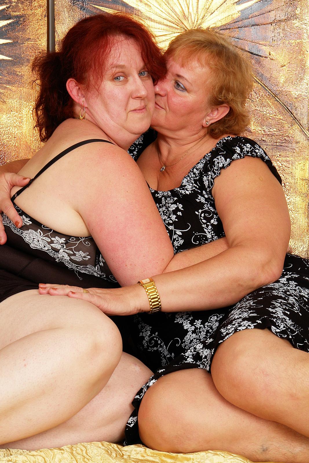 Порно лесби старушка фото 542-312
