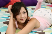 Unforgettably Cute 18-year-old Cassie Laine Gets Off