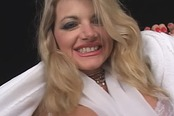 Blonde Vicky Vette Mastrubates For You