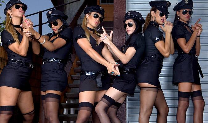 Black Shemale Gangbang - TRANNY GANG BANGED - Shemale Porn, All gangbabng Exclusive