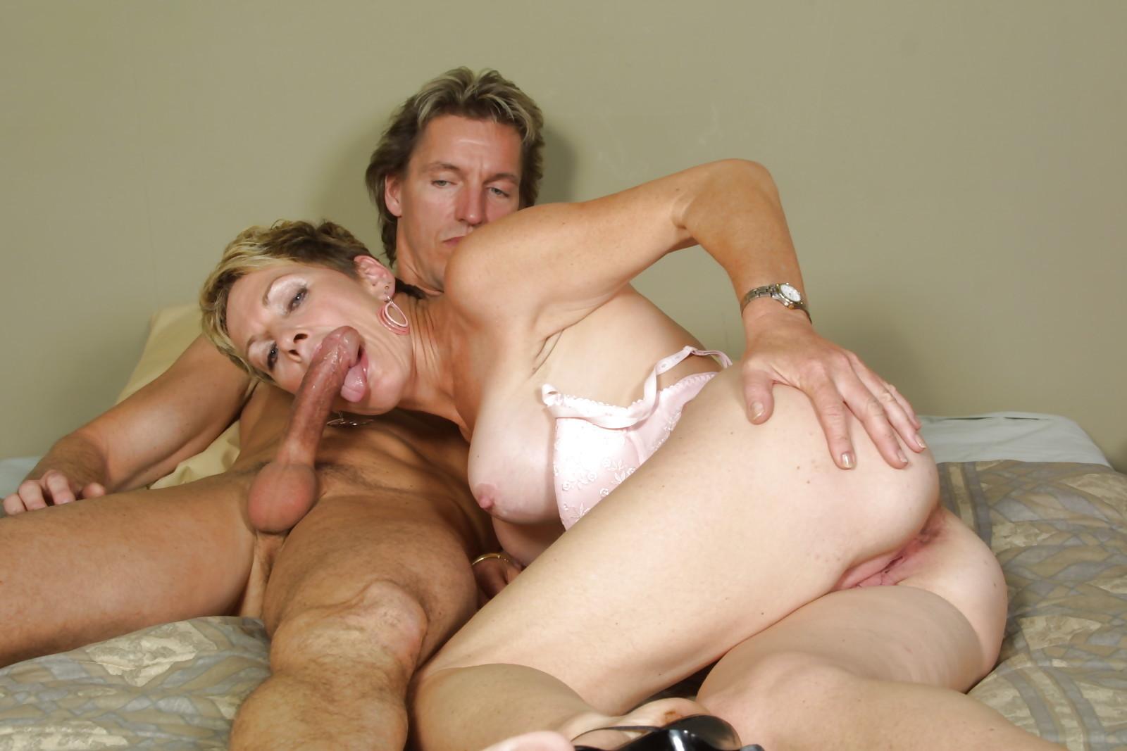 порно взрослая дама и молодой парень