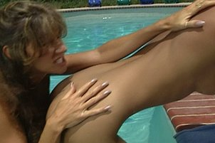 Hot Girlfriends Get Crazy In The Pool