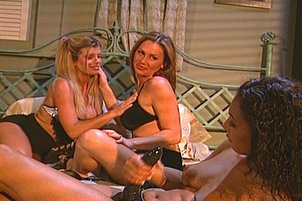 Lesbian Threesome With Blonde In Control