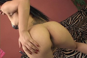 An Exotic Girl Cumming On Her Exotic Toy