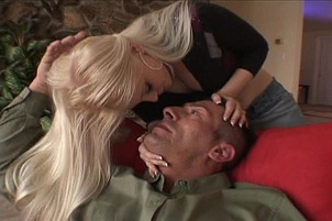 Blond Gets Pussy Licked Then Sucks Off