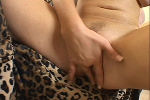 Horny Teen Slut Makes Herself Cum