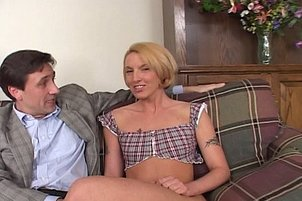 Ashley Long and Fiona Cheek know how to treat your cum