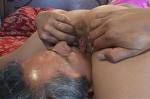 Lovely Blonde Cindy Crawford Pounded In Her Bald Hole