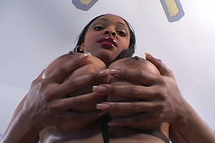 Big Tits On Naturally Busty Carmen Hayes