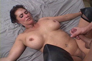 Candy Vegas is Incredible Horny MILF