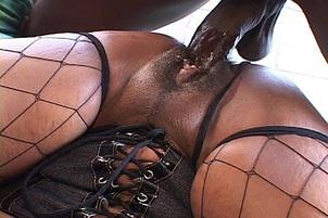 Chubby Black Amateur Takes Pounding