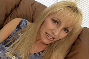 Sexy Mom Of Four Fucking Younger Guy