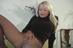 Sexy Jana Cova Tickles her Clit
