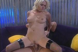 Missy Monroe Spreads Wide for Meaty Dick