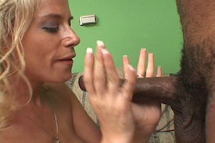 MILF Giving Sloppy Wet Blowjob And Fuck