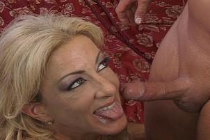 Huge Tit MILF Lexi Carrington Swallows