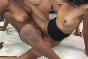 Snatch Slurping Black Lesbian Whores