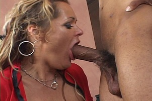 Mature Kelly Leigh Gagging For Black Rod