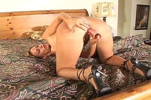 Masturbating Blond With A Huge Vagina