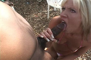 Slender Blonde Amateur Takes It In Face