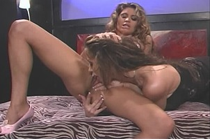 Paola Gets A Horny Slut To Please Her Wet Pussy