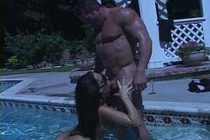 Richelle Ryan Drinks Cum at the Pool
