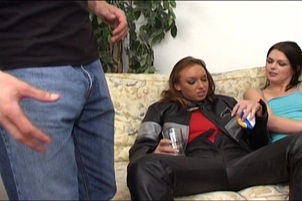 Sahara Knite Is Hungry For Hot Sperm