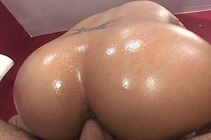 Hot Body Ethnic Bitch Loves To Swallow