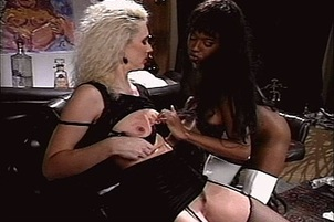 Interracial Lesbian Licking In Stockings