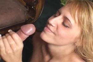 Sex Kitten Jacky Joys Works A Cock Like A Pro