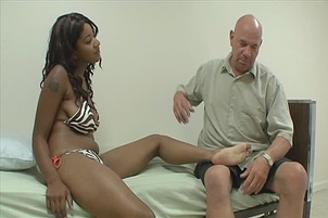 Kendra Lee Foot-massages Happy White Dick