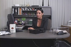 Busty Veronica Rayne Gets Her Mouth Filled At The Office