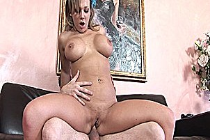 Nikki Sexx Gets So Horny Just At The Site Of Cock