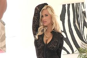 Busty Shyla Stylez Cant Resist Black Cocks