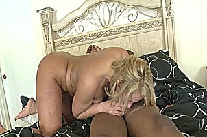 Mellanie Monroe Can't Get Enough Of That Black Cock