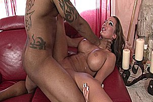 Richelle Ryan Gets Fucked Fast And Hard